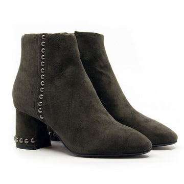 Karla Antracita | Mid heel suede ankle boot