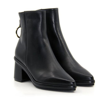 Ring Black Leather | Mid heel ankle boot