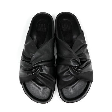 8640 Black | Flat leather slide