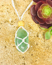 Load image into Gallery viewer, Green Fluorite Macrame necklace - Moonstone Felt And Crystals
