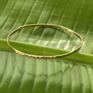 HAMMERED SEA BANGLE