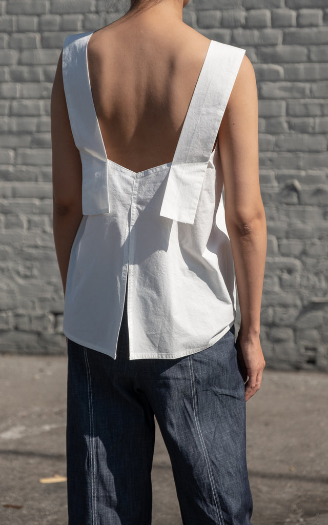 Sleeveless Band Shirt