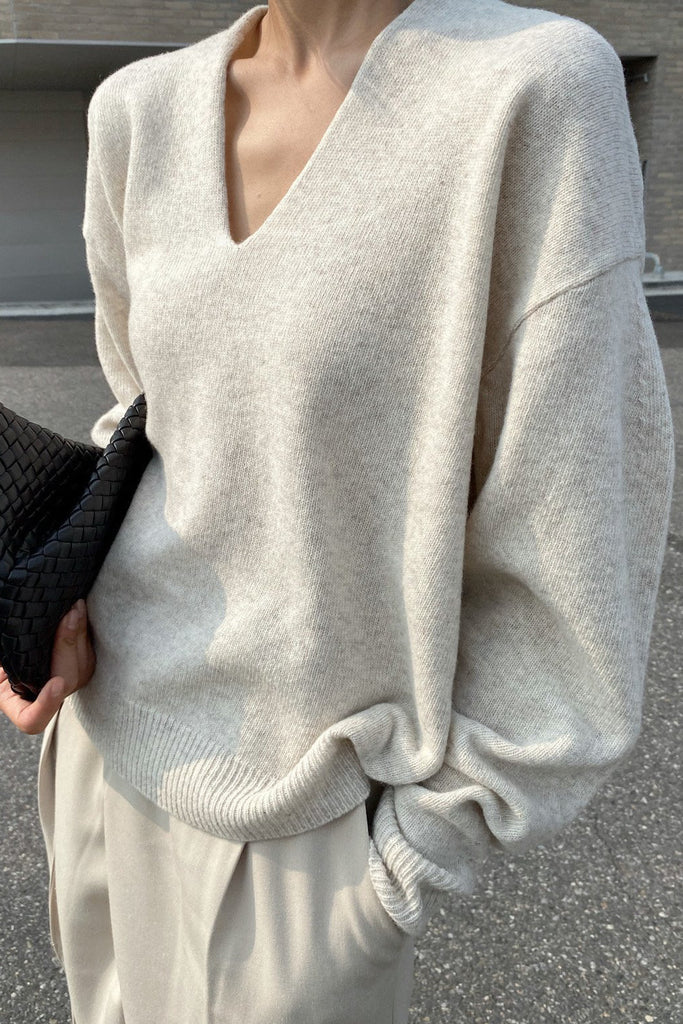 June V-neck Sweater