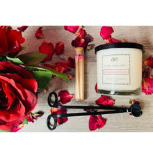 Load image into Gallery viewer, Champagne &  Roses Soy Candle - April Etoye