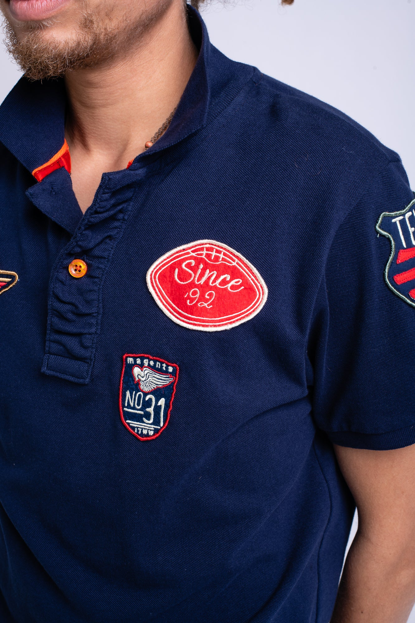 MAGENTS BADGES POLO SHIRT - NAVY