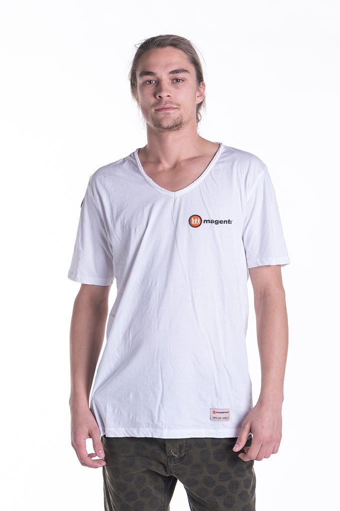 SIGNATURE LOGO TEE IN WHITE