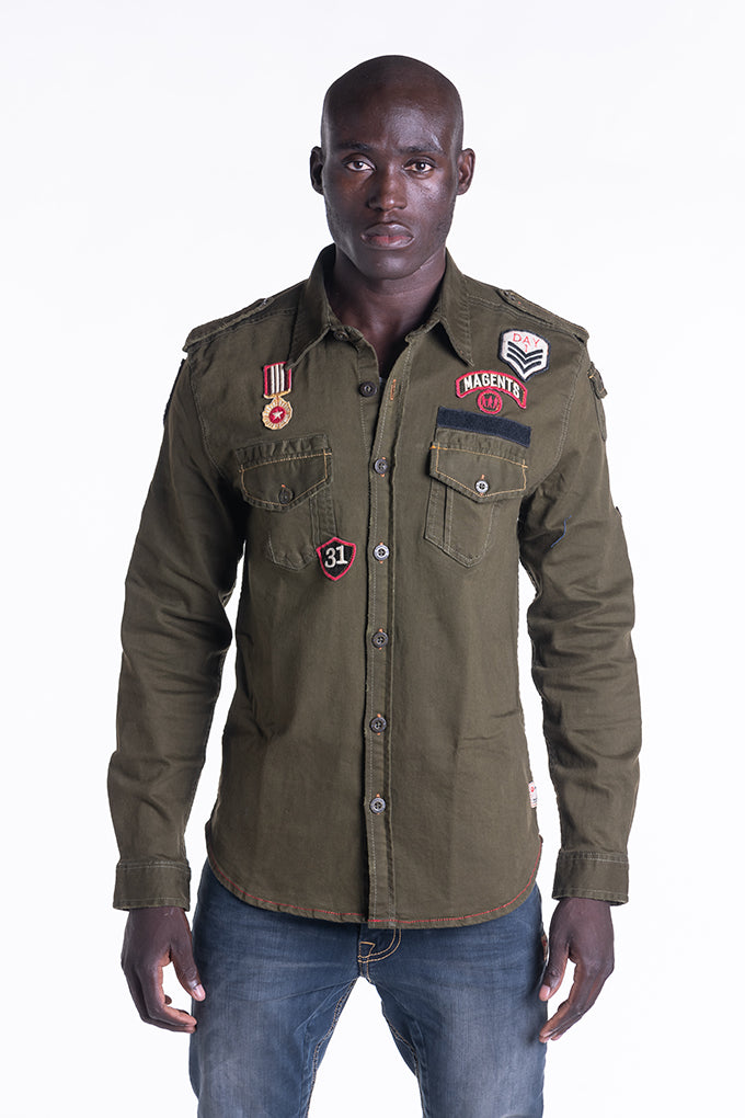 BADGE SHIRT IN KHAKI