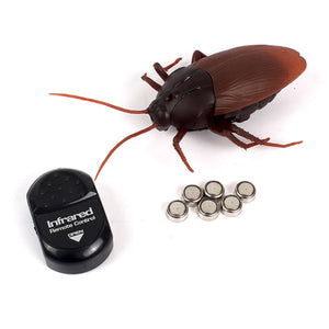 Funny Simulation Infrared RC Remote Control Scary Creepy Insect Cockroach Toys Halloween Gift For Children Boy Adult - 64 Corp