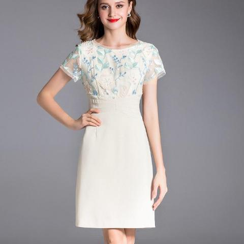 Sophisticated Floral Embroidery Short Sleeve Bodycon Dress - 64 Corp