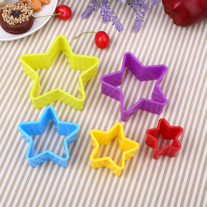 5Pcs/Set Christmas 3D Cookie Biscuit Mold Cutter Plastic Baking Tool Multicolor
