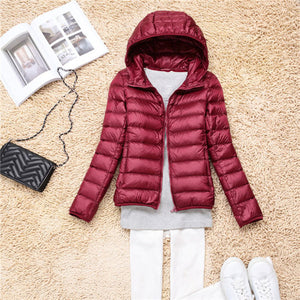 OMLESA 2017 New Autumn Winter Women Down Jacket Ultra Light Snow Coat Hooded White Duck Down Jackets Thin Feather Jacket YQ142