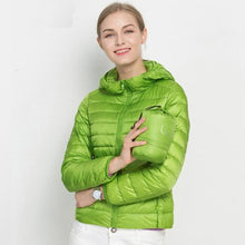 2018 New Women Winter Jacket Ultra Light White Duck Down Jacket Fashion Warm Slim Hooded Down Coat for Women Portable Overcoat