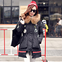 Winter Female Coat New Hooded White Duck Down Jacket 2018 Big Raccoon Fur Collar Women Warm Thicken Outwear Long Ladies Parka