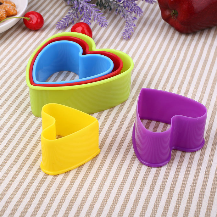 5Pcs/Set Christmas 3D Fondant Cookie Mold Sugarcraft Plastic Baking Tool