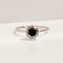 BRILLIANT BLACK SOLITAIRE RING
