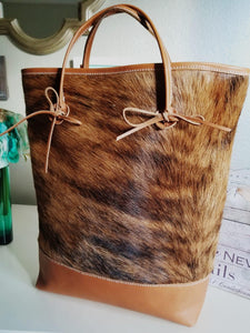 Caramel Leather Tote With Cowhide - Zai & Ami Designs