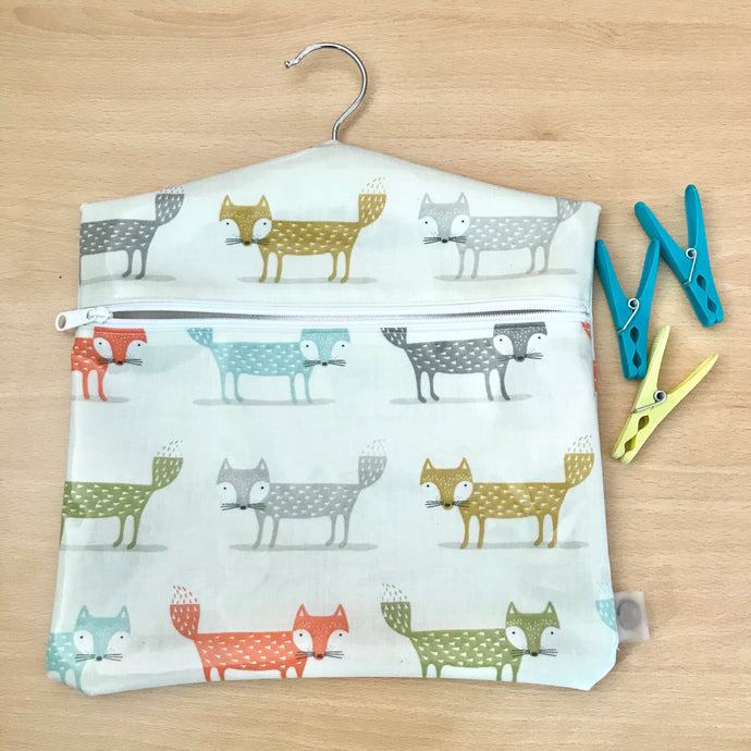 Peg bag with zip closure - foxes