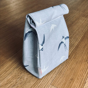 Oilcloth lunch bag - Swallows