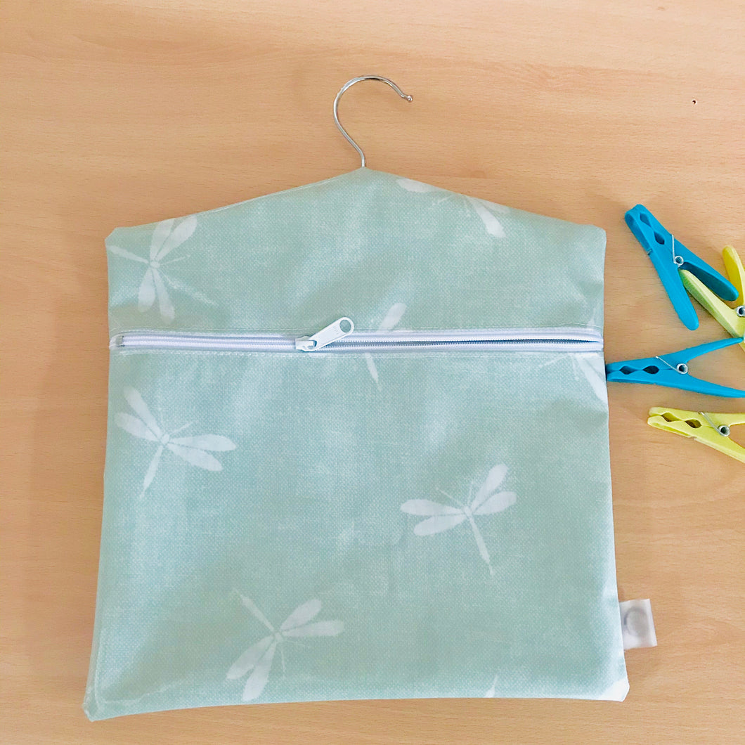 Peg bag with zip closure - dragonfly