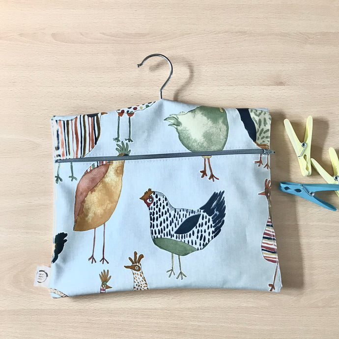 Peg bag with zip closure - funky chickens