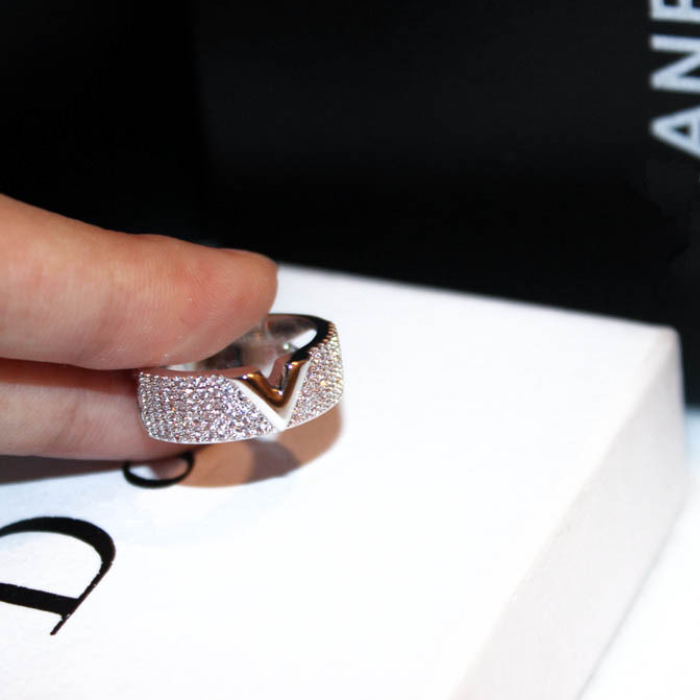 Crystal Stud Ring