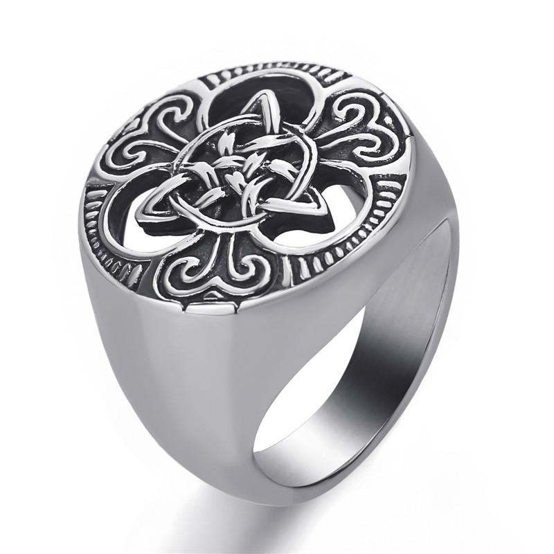 Concentric knot ring