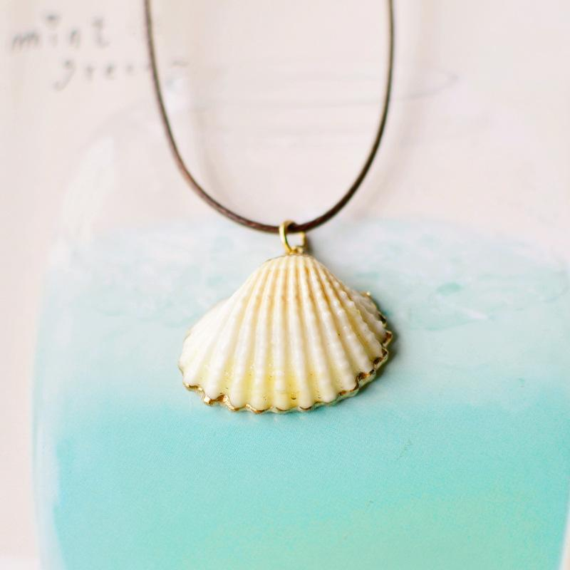 Conch shellfish necklace