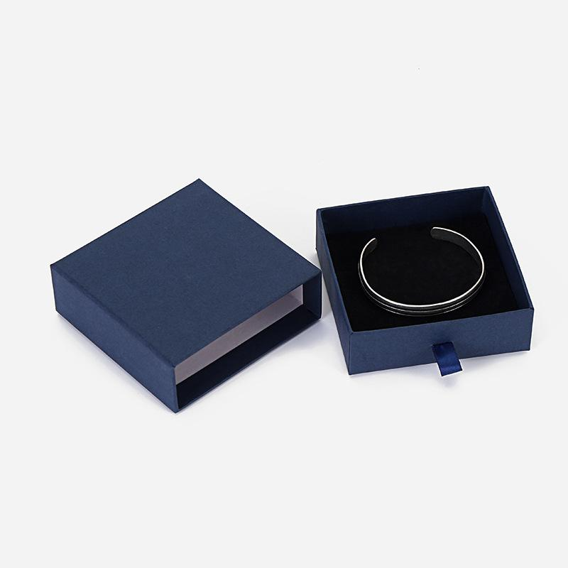 Bracelet necklace box