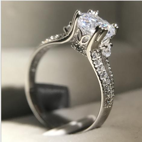 Royal Crown Palace classical Platinum four-claw micro-set simulation diamond ring proposal retro female ring