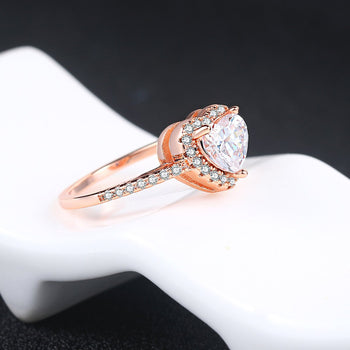 Women's heart-shaped wedding ring