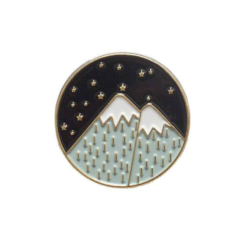 2008 WISH Brooch Hiking Adventure Seal Mountains Design Cowboy Brooch Camping Souvenir