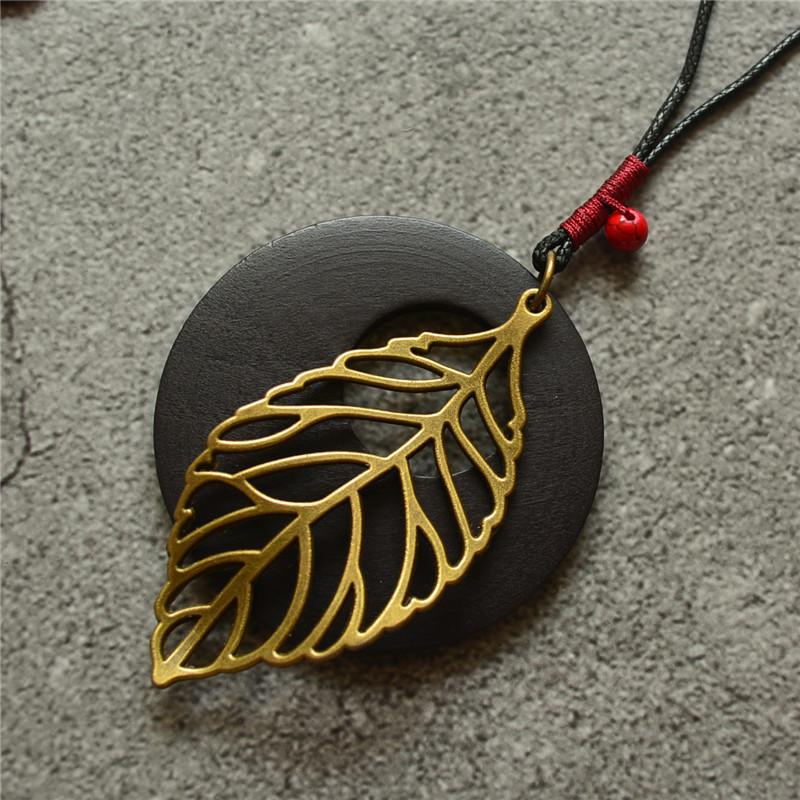 Wood leaf long necklace