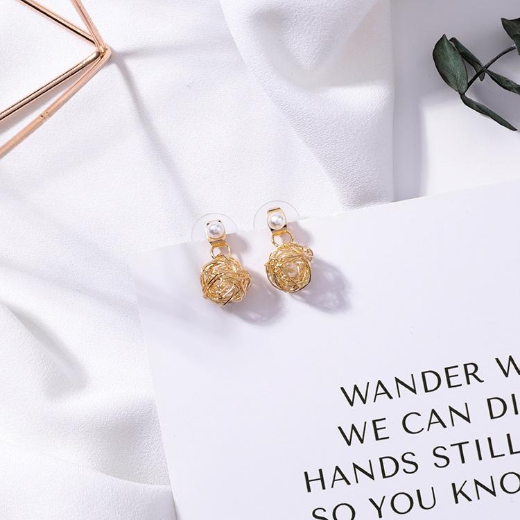 Metal winding line earrings handmade hollow line ball nest personality geometric design pearl earrings