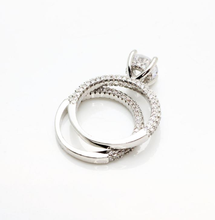 New Flash Diamond Round Princess Ring Fashion Female Engagement Marriage Diamond Ring Female