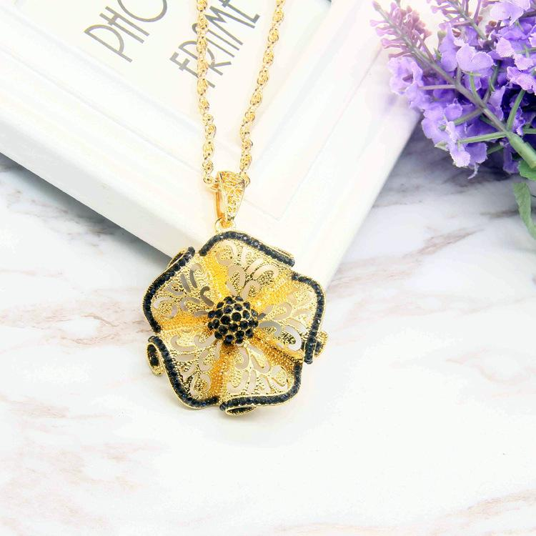 Autumn and winter Korean Edition necklace, female gold ball pearl, long fashion sweater chain accessories, pendants, pendants, small jewelry wholesale