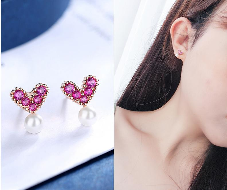 Women's earrings