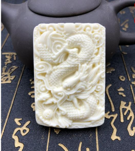 Natural ivory Guanyin Buddha Guan Gong Long Feng Yi Pendant Male and female couple necklace car pendant to send lanyard lucky