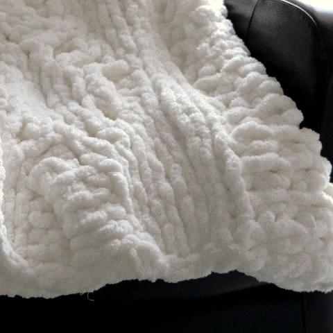 Plush Chenille Throw Blanket-Harlow Crestwood