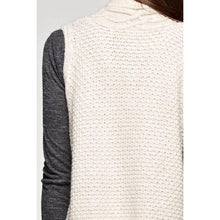 LS Sleeveless Cable Knit Vest Sweater