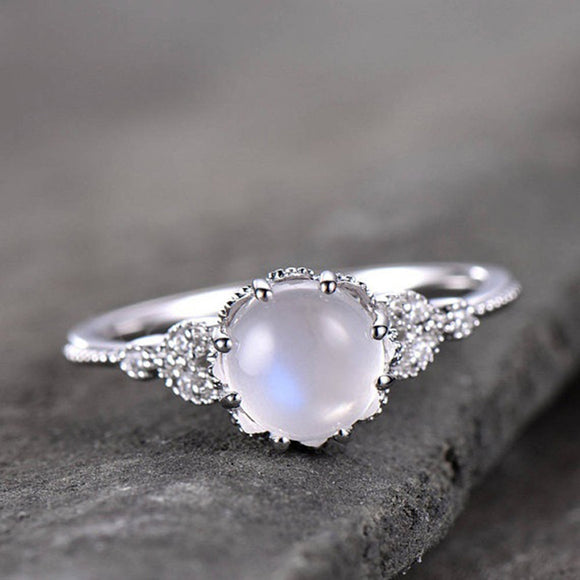 Large Antique Punk Jewelry Moonstone Rings for Women Vintage Tibetan Ring Water Drop White Stone Ring Female Fashion Jewelry