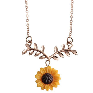 Fashion Delicate Sunflower Pendant Necklace For Women Creative Imitation Pearls Jewelry Necklace Clothes Accessories