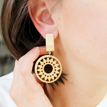 Load image into Gallery viewer, Light Wood Filigree Earrings