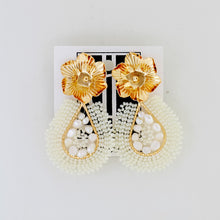 Load image into Gallery viewer, Woven Pearl Beaded Earrings