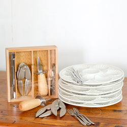 Seafood Set with Cracker in Wooden Box