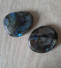 Load image into Gallery viewer, Labradorite Palmstone - Gina's Charms