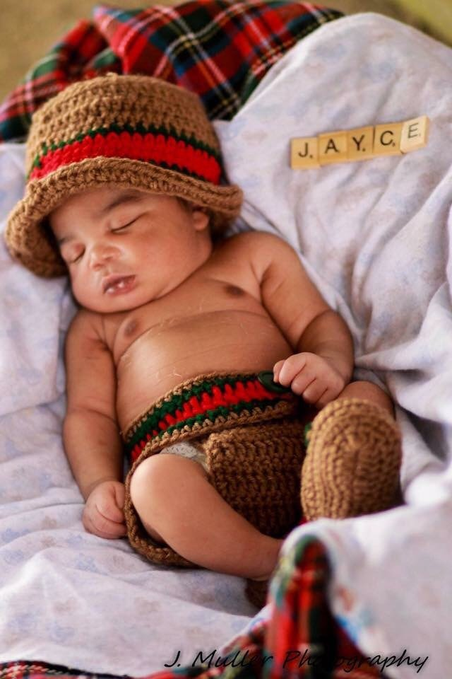 c1a9f88d3b364 Gucci Inspired Baby Bucket Hat Outfit – Crochet me this
