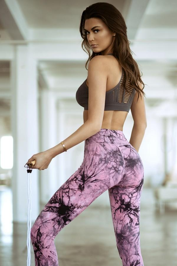 Women's Active Buttery Soft Tie Dye Capri Leggings (S-L)