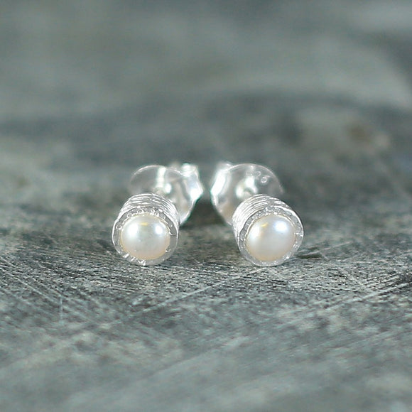 Textured Silver White Pearl Studs