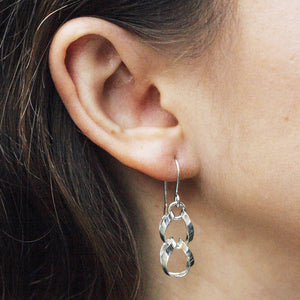Silver Interlinking Circle Drop Earrings