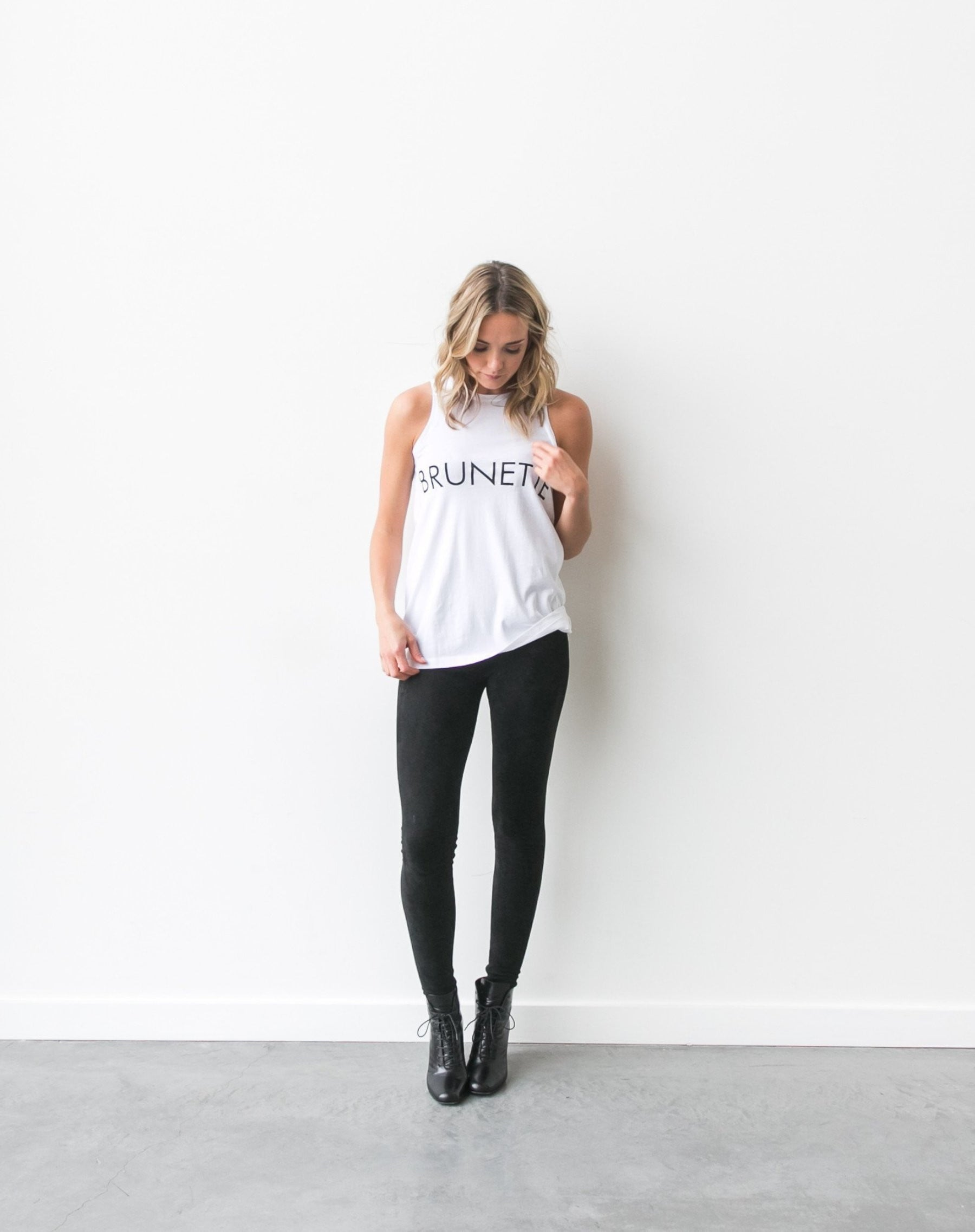 """BRUNETTE"" Crew Neck Tank 